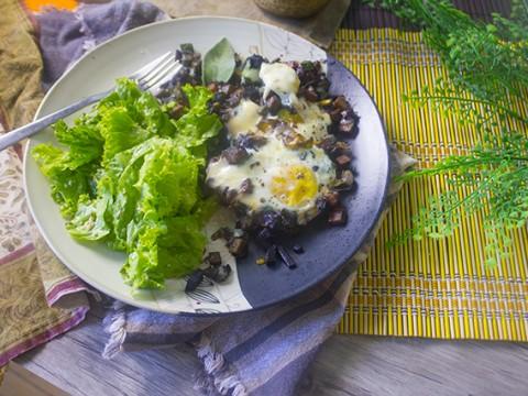 Shirred Eggs & Mixed Veggie Hash